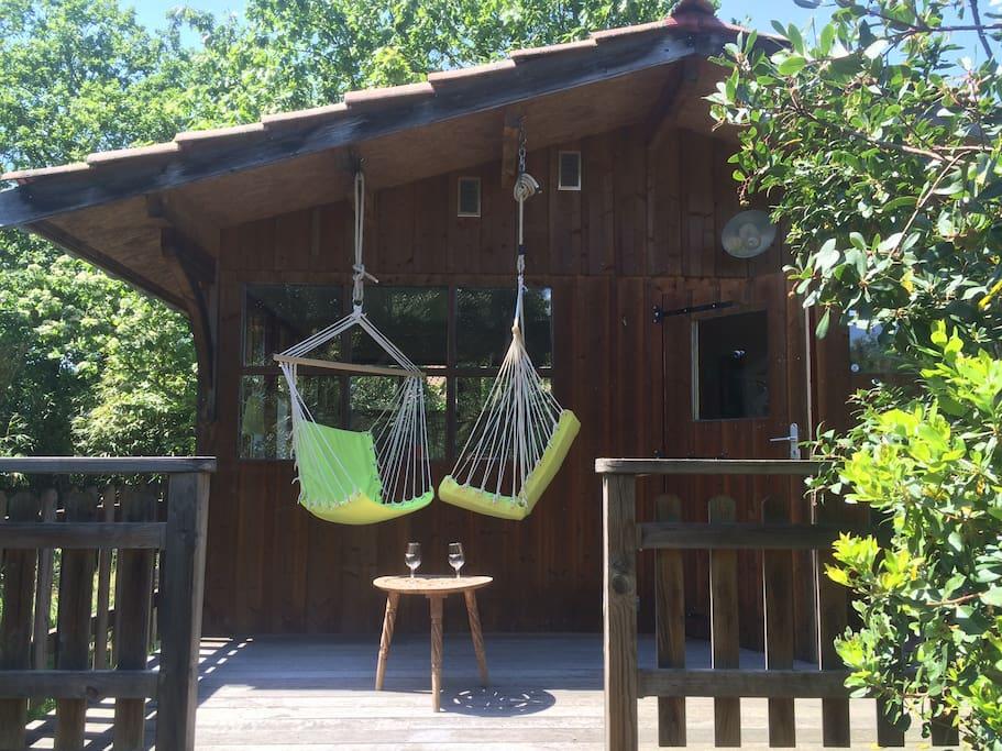 Deux chaises hamac pour se reposer post-plage