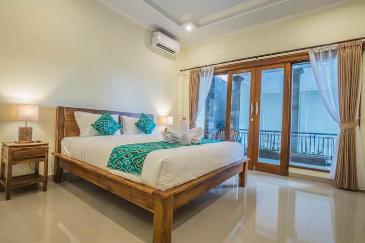 Ubud Center with AC, Wifi and Breakfast