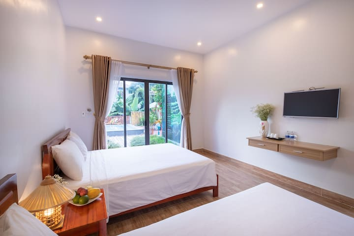 Deluxe Room 2 w Swimming Pool ,Son Doong Bungalow
