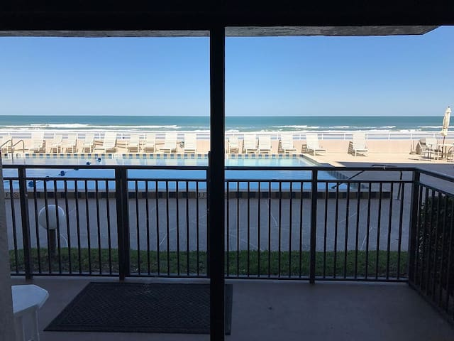 Beautiful Ponce Inlet,  2/2 oceanfront non driving