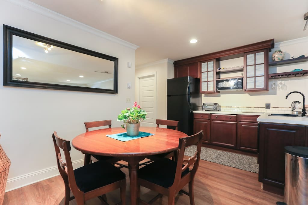 Dining and kitchenette area.