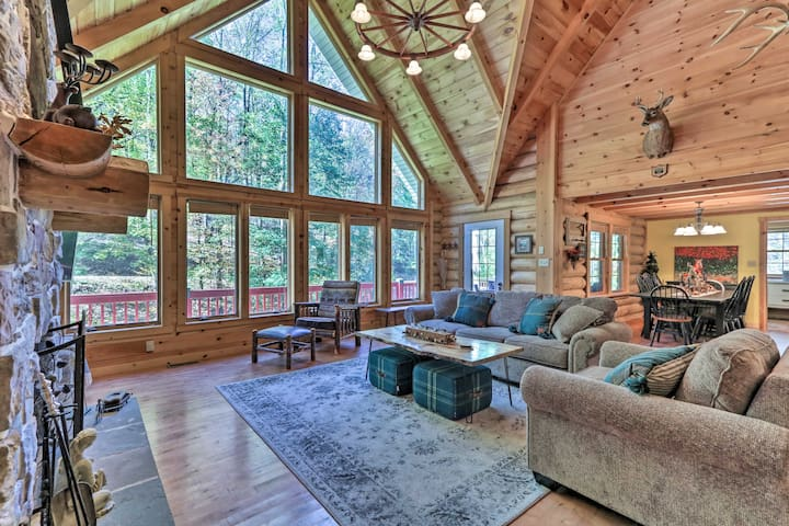 NEW! Grand 4,000 Sq Ft House - 11 Mi to Lancaster!