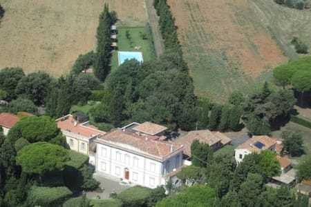 """Villa Tenute le Case Nouve """"Zimmer der Gräfin"""" - Rosignano marittimo - วิลล่า"""
