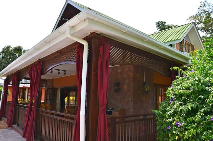 Oceanview 3-bedroom Villa