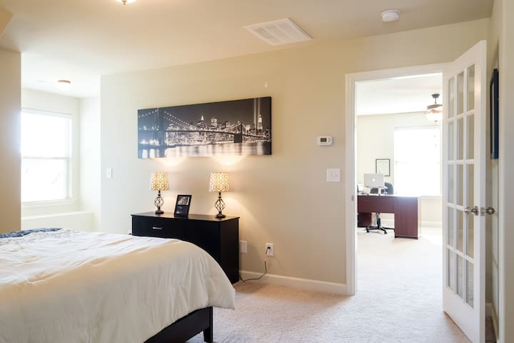 Spring Hill - Guest Room - Spring Hill