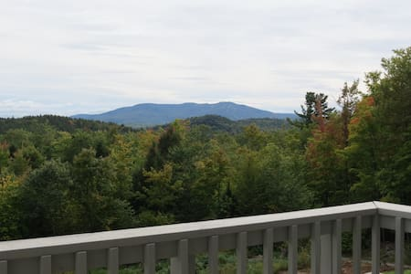 Large Ski condo minutes away from Mount Sunapee - Sorház