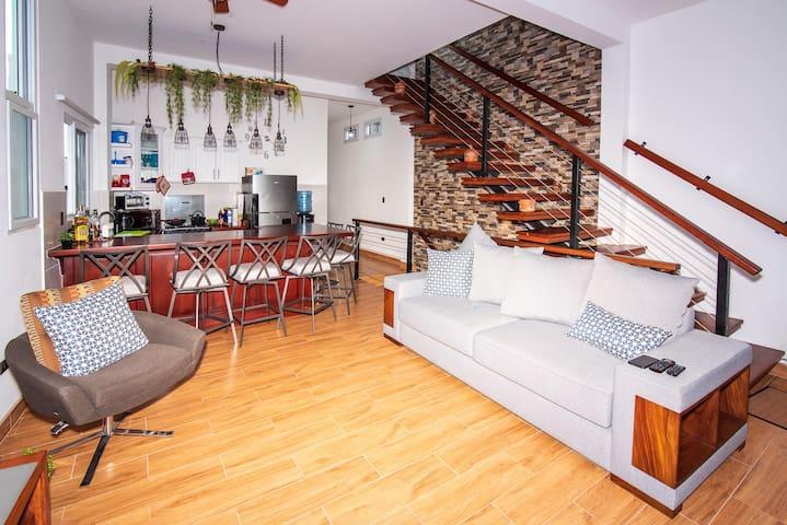 Casa mas bella con piscina dentro de la isla Frs.