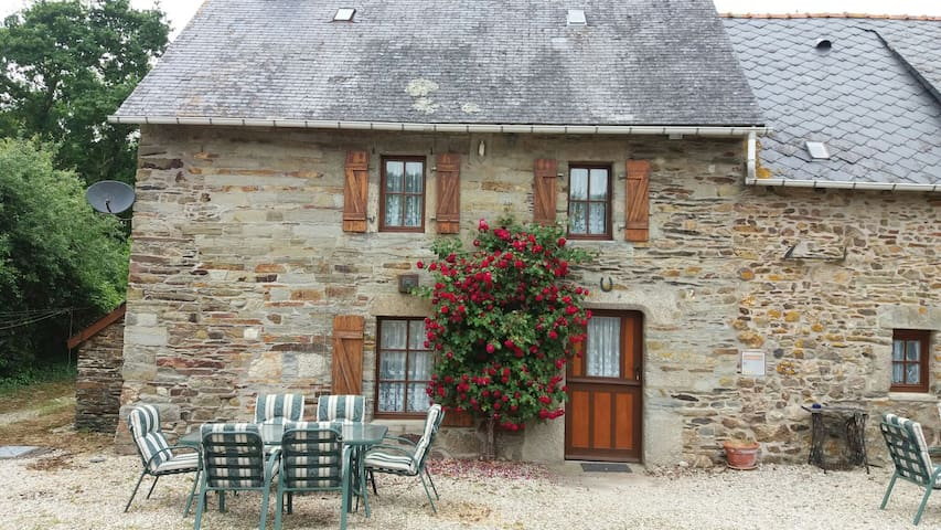 The farmhouse Le Cosquer - Saint-Connec