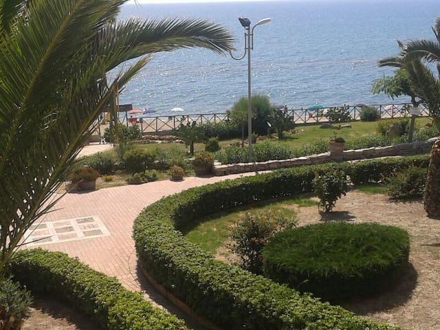 Appartamento in riva al mare  vacanze e relax - Torre Melissa