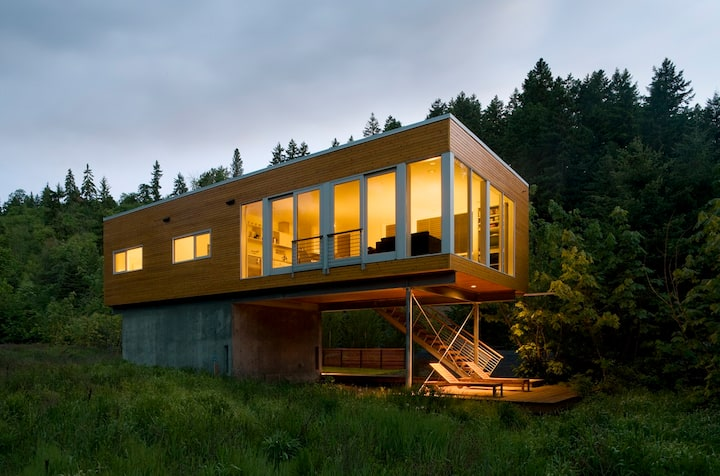 Neal Creek Retreat-urban design and environmental building in rural surroundings