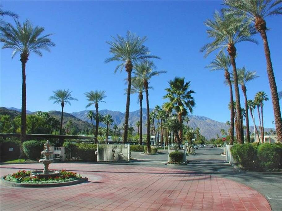 Safe & secure gated community on Golf Course
