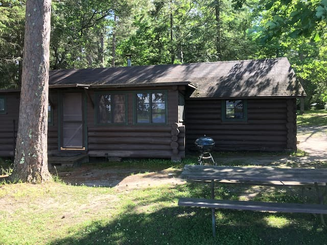 Pine Grove Lodge on picturesque Sand Lake-Cabin 2