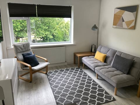 Entire flat,self check-in,free parking & fast WiFi