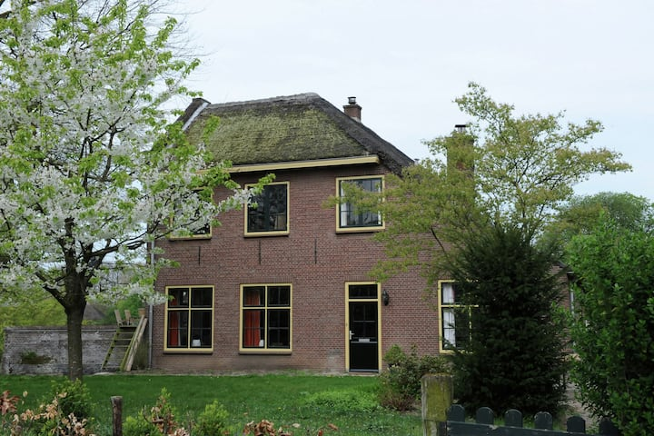 Cozy house of the former abbot of Estate Heerlijkheid Mariënwaerdt