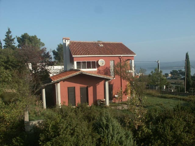 One bedroom apartment with terrace and sea view Nerezine, Lošinj (A-2516-a) - Nerezine - Flat