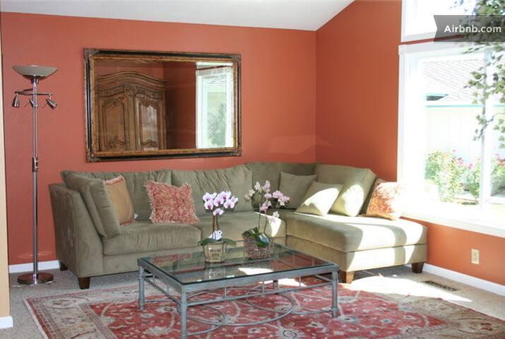 Master Bedroom in lovely Almaden Valley Home