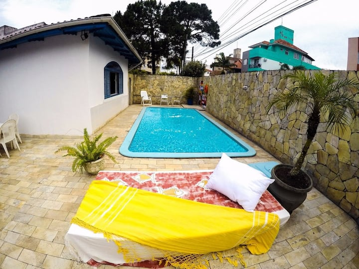 World Hostel - Canasvieiras - Quarto Fem 6 camas