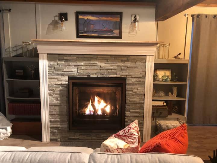 Lake Ashuelot Estates-3 Bed-2 Bath Home-Washington