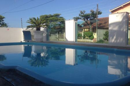 Casa com piscina pra sua festa!!! - Penha