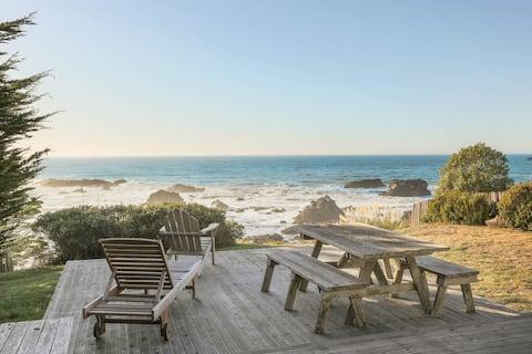 Vacasa   Dog-Friendly Home w/ Ocean Views, Private Hot Tub, Washer/Dryer, & Free WiFi