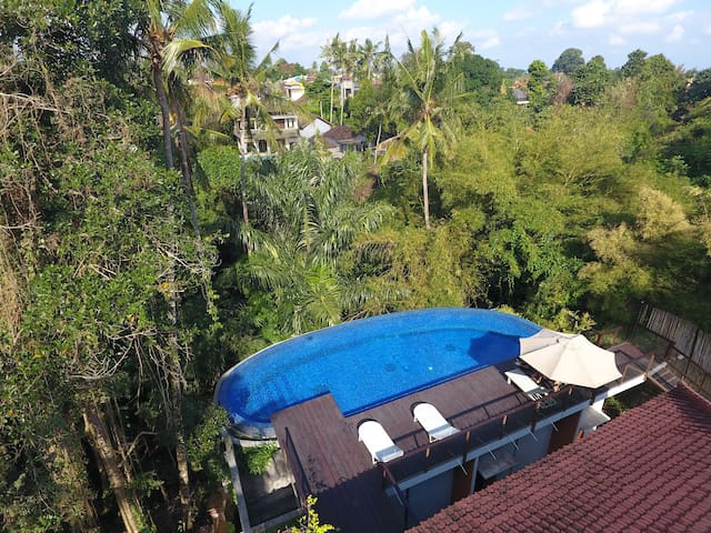 1BR Studio Room w/ Jungle View in Ubud Center (2)