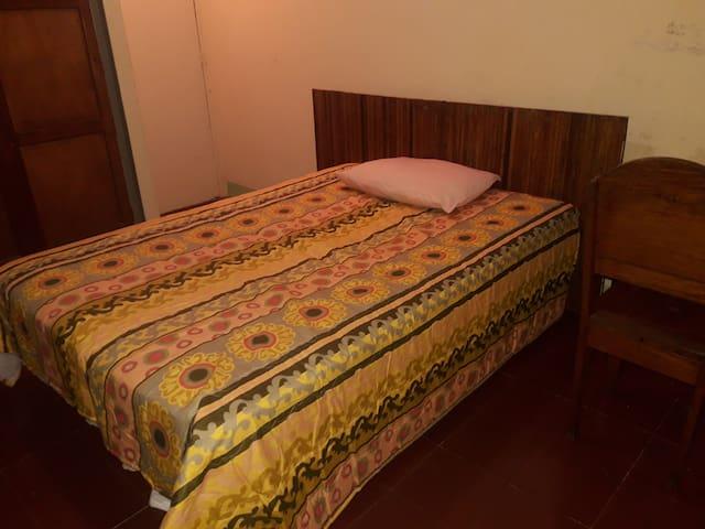 Rento habitaciones en Granada