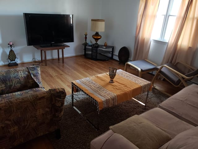 Big Furnished Apartment w/ scenic view of Yonkers!