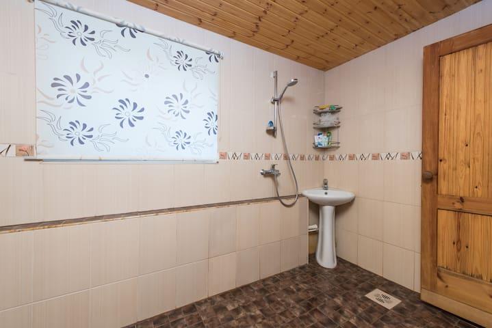 Private room in quiet area - Tallinn - Lägenhet