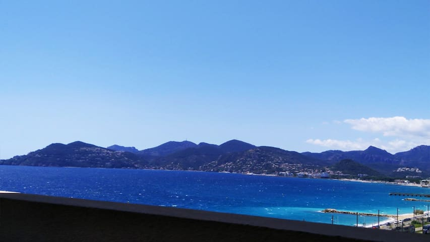 Cannes: 3 roomed sea & mountain view apt - pool