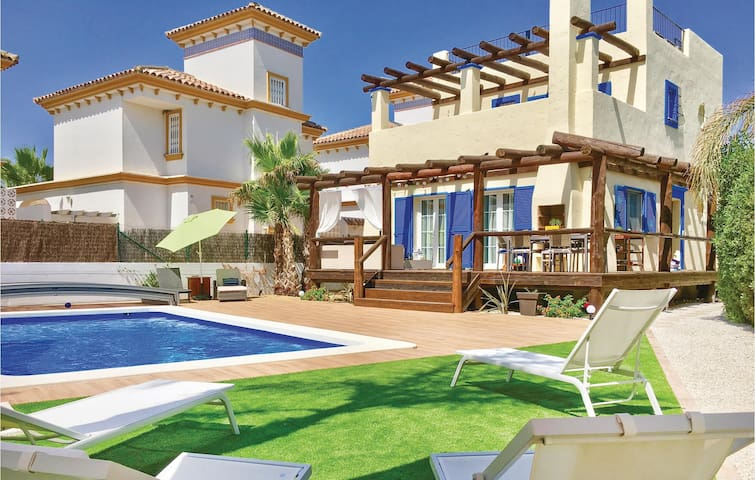 Holiday cottage with 4 bedrooms on 220m² in Vera Playa