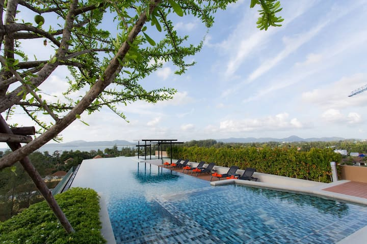 1 bedroom infinity pool at Surin beach