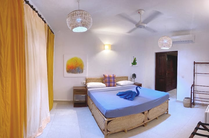 Dream Garden - Deluxe Double Room AC and fan