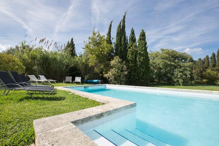 Verträumte Finca mit umzäunten, beheizbaren Pool