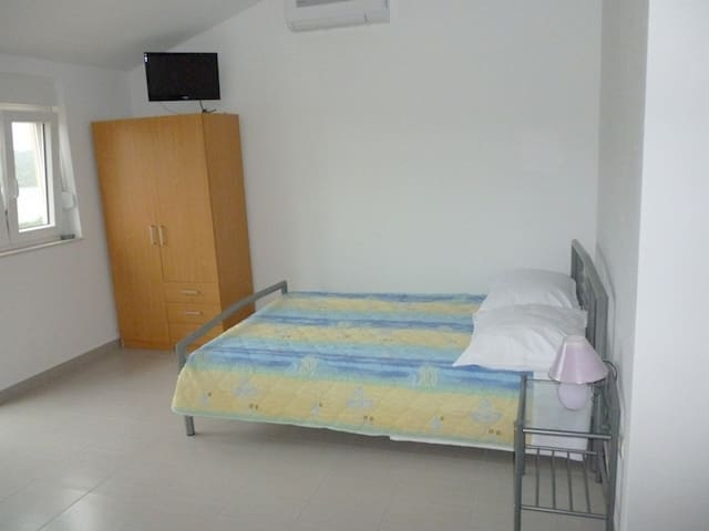 Comfortable Studio Apartment in Tisno TP64A1 - Tisno - Apartment