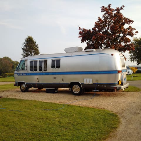 Vintage Iconic Airstream motorhome - Dial Post - Wóz Kempingowy/RV