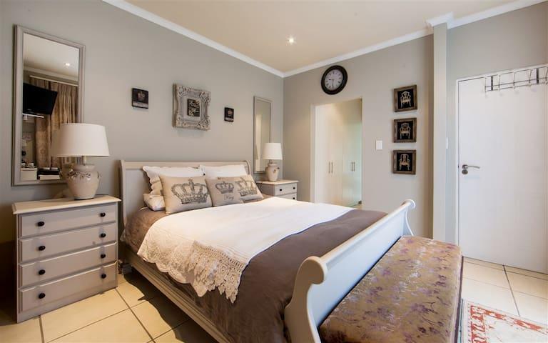 Wilna's Luxury Overnight Room - Yzerfontein - Lägenhet
