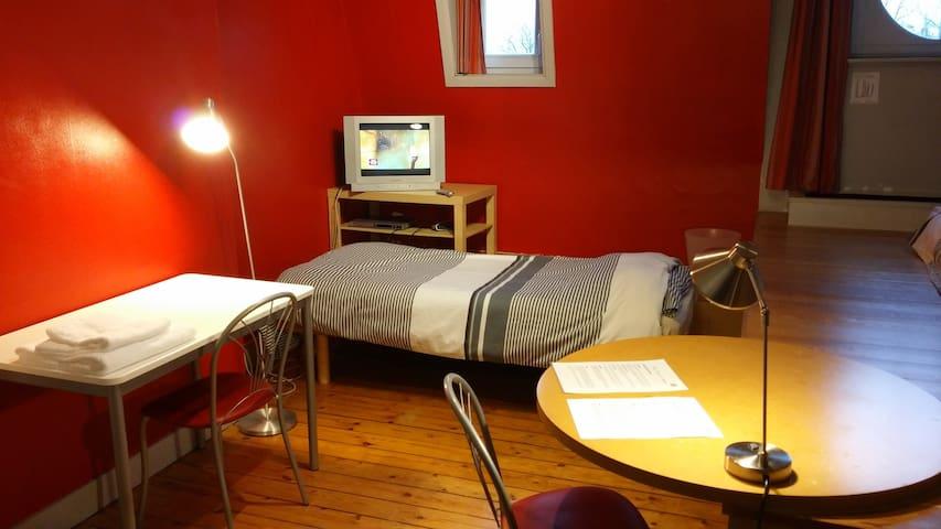 Comfortable studio near Mérode & Montgomery