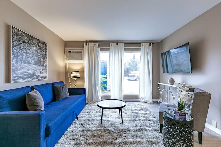 1BR Louvers Wald 02 | Downtown Med Center Stadium