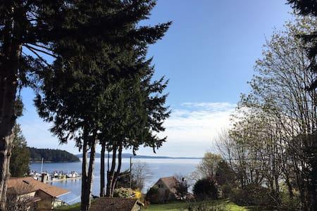 Ocean & Marina View Retreat - Mill Bay - Apartmen