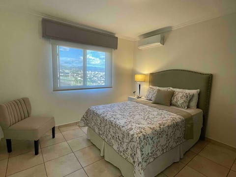 Private Room with Excellent Location-Feransa