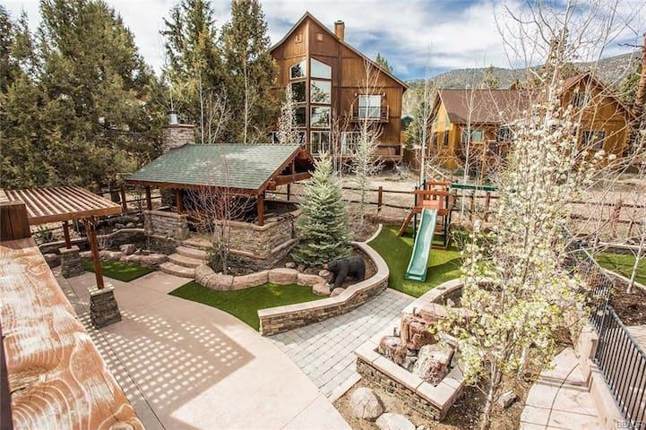 Main Lair @ Big Bear Lake | Luxury Mountain Cabin