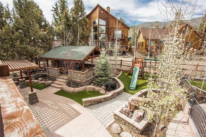 Main Lair @ Big Bear Lake   Luxury Mountain Cabin