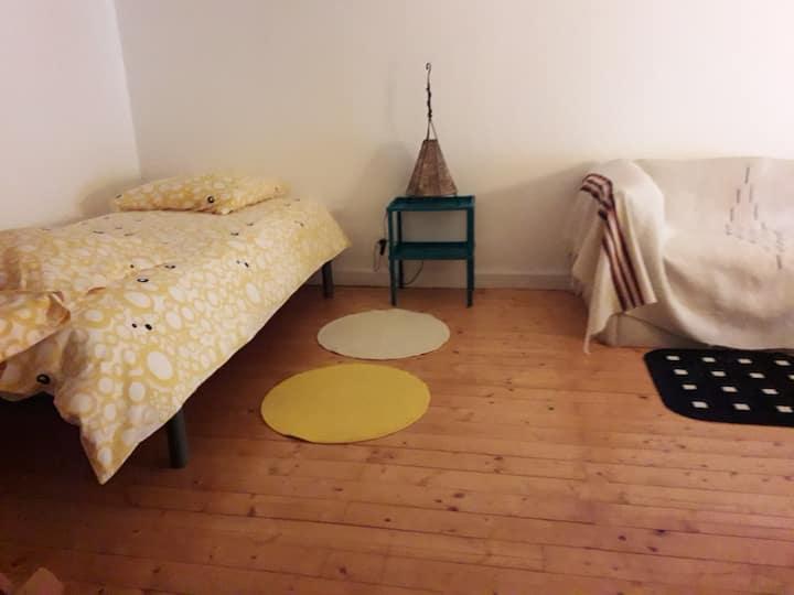 Chambre et salon à l'étage