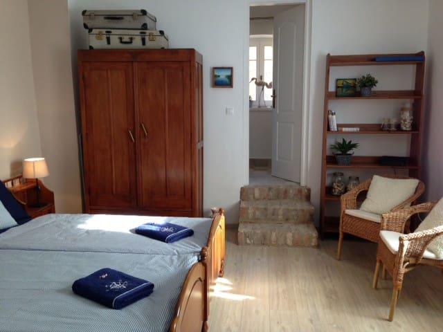 Auguszt Apartments – Quiet Home in Central Pecs