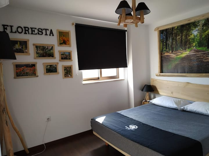 "Quarto/Room ""Floresta"" - AtlanticSpot GuestHouse"