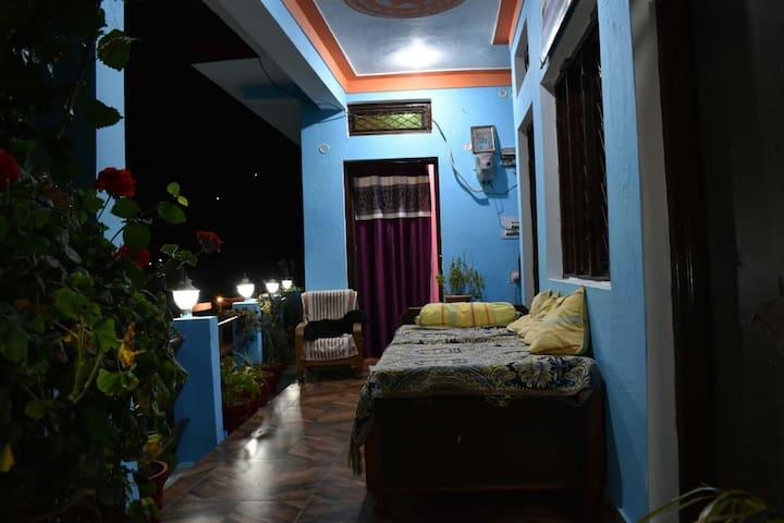 Beautiful homestay in Saari village, Deoriatal