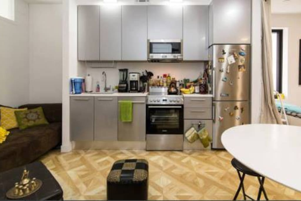 Common Space Living Room / Kitchen