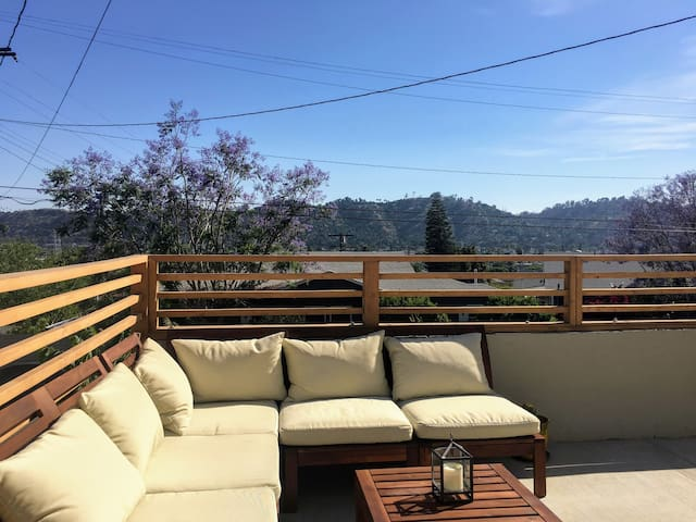Private Hillside Guest Suite with Terrace & Views