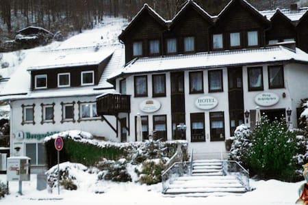 Schönes Twin Apart für 7-8 pers / Wifi, Süd-Harz! - Zorge