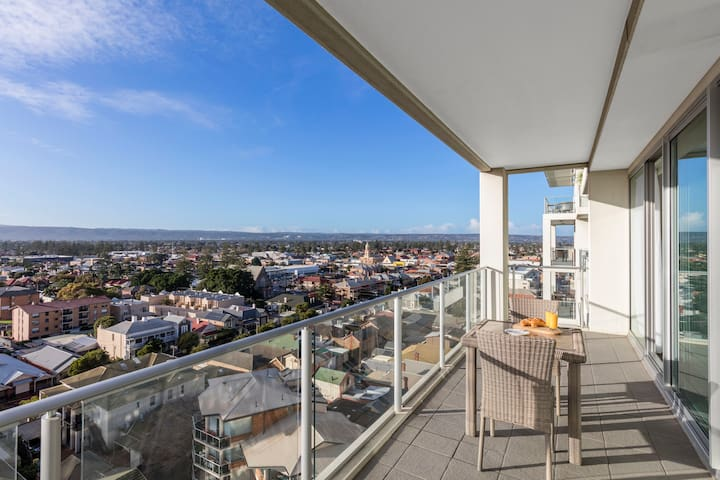 Entire 1 Bed Apartment with private balcony